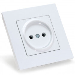 Електрична одинарна розетка Gunsan Eqona біла, без заземлення (1401100100113)