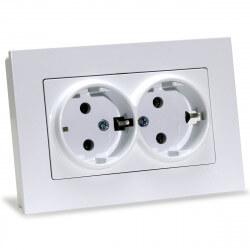 Електрична подвійна розетка Gunsan Eqona біла, із заземленням (1401100100150 )