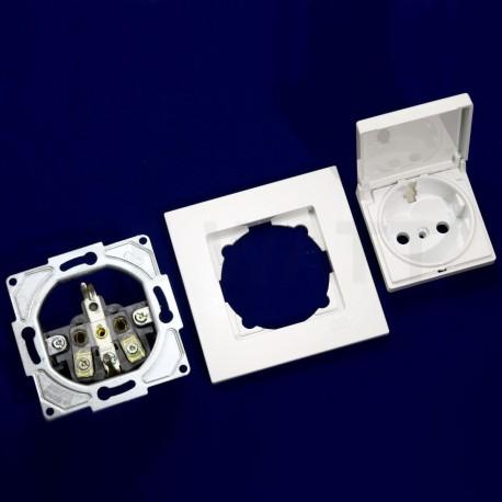 Електрична одинарна розетка с крышкой Gunsan Eqona біла, із заземленням (1401100100117) - в інтернет-магазині