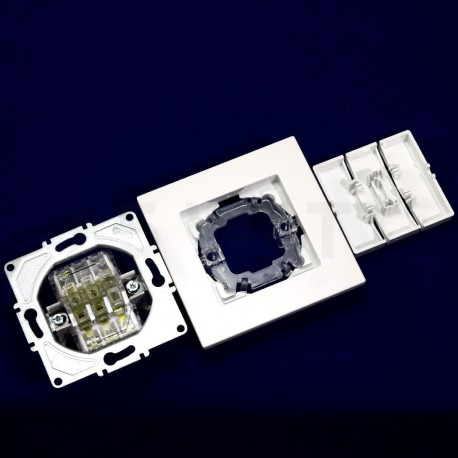 Вимикач трёхклавішний Gunsan Eqona білий (1401100100160) - в інтернет-магазині