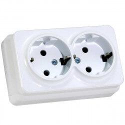 Электрическая двойная розетка Gunsan Misya наружная белая, с заземлением (1051100100150)