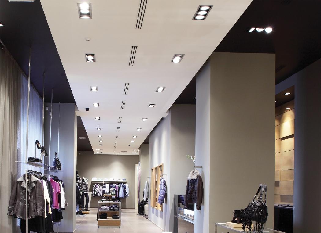 Освещение магазина встраиваемыми светильниками