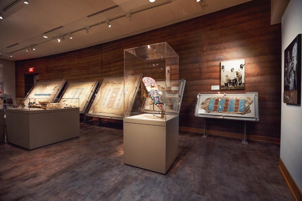Подсветка экспонатов в музее